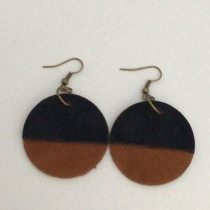 Jewelry - Earrings with leather